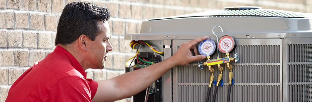 air conditioner maintenance from technician